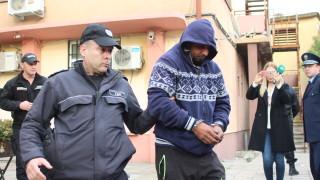 Обвиниха двама осъждани за безредиците в Гълъбово