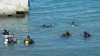 Водолази провериха морското дъно във Варна преди Йордановден