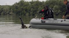 Военните ни водолази тренираха изваждане на потънали снаряди