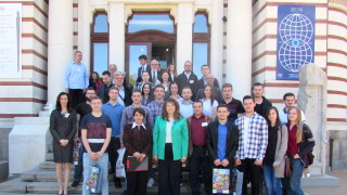 15 млн. души по света говорят български език, горда е Йотова