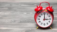 Местим часовника с час напред утре в 03:00 часа