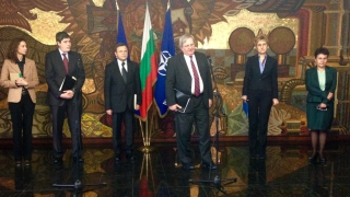 Външно форсира кампанията за Ирина Бокова