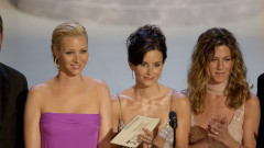"""Как Кортни Кокс и Дженифър Анистън са потискали Лиса Кудроу в """"Приятели"""""""