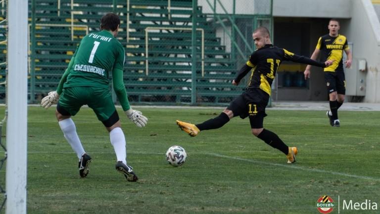 Ботев (Пловдив) гази в неофициалния дебют на Валентич