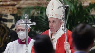Папа Франциск на Цветница: Дяволът се възползва от пандемията