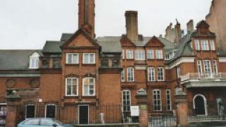 Във Великобритания отчетоха ускоряване на спада на цените на жилищата