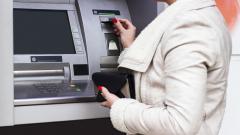Задържаха трима българи за източване на кредитни карти в Сърбия