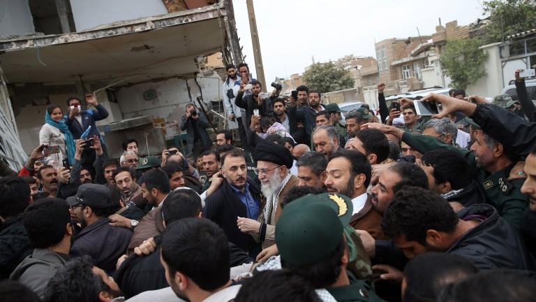 Десетки ранени при земетресение в Иран