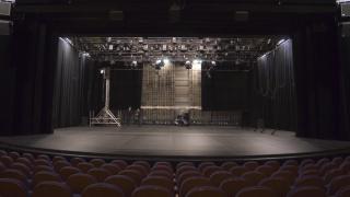 Театрите очакват държавата да ги финансира още 6 месеца от януари