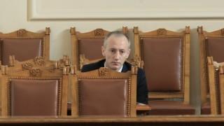 Земята на закритите училища да не отива към общината, настоява Вълчев