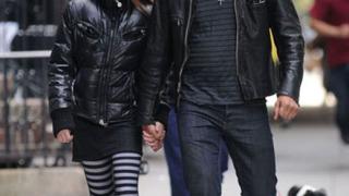 Мадона бясна на бившия си