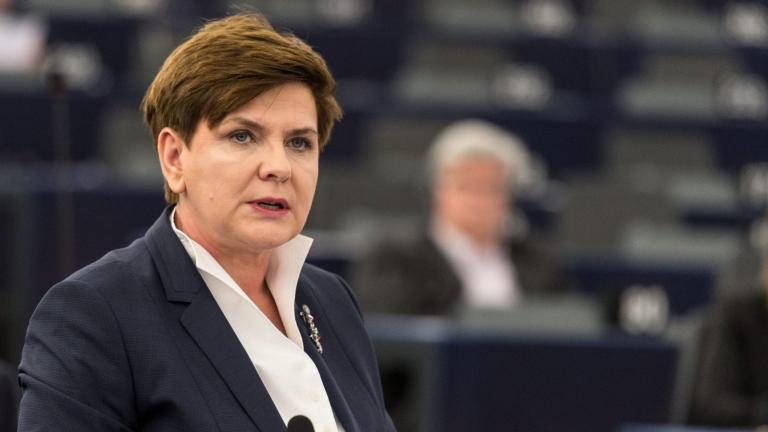 Премиерът на Полша Беата Шидло подаде оставка