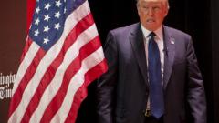 """Доналд Тръмп """"мачка"""" сред републиканските кандидати за Белия дом"""