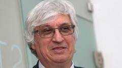 Иван Нейков съветва кандидат-пенсионерите да изчакат изясняване на формулата