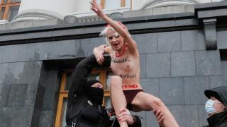 Истанбулската конвенция - символ не културните войни между Източна и Западна Европа