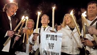 Не пуснаха жертвите на свещеници-педофили във Ватикана