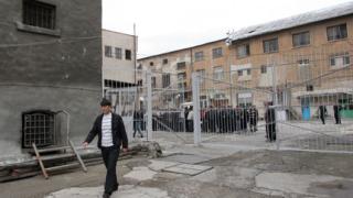 Служителите в затворите призоваха управниците да не разединяват съсловията
