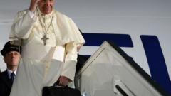 Папа Франциск с 15 млн. последователи в Туитър