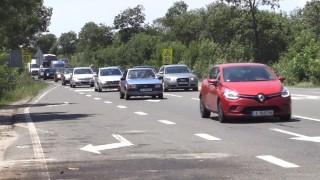 Натоварен трафик и задръствания по пътя за Южното Черноморие
