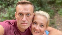 Меркел посетила Навални в болницата