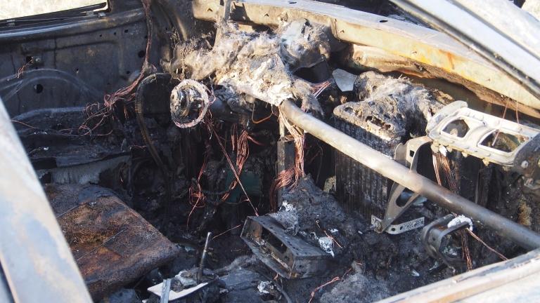 Горя автомобилът на шефа на бургаския затвор