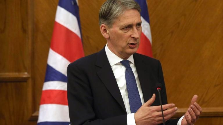 Филип Хамънд се обяви за двустранен ангажимент за мигрантите след Брекзита