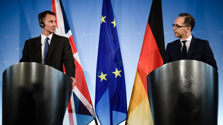 Британският външен министър Джереми Хънт обяви, че съществува опасност за