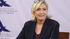 Френски депутати искат разследване на връзките между Марин льо Пен и Стив Банън
