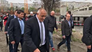 Борисов наблюдава битка между червени олигарси