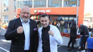 Министър Кралев откри боксовата зала на световен шампион
