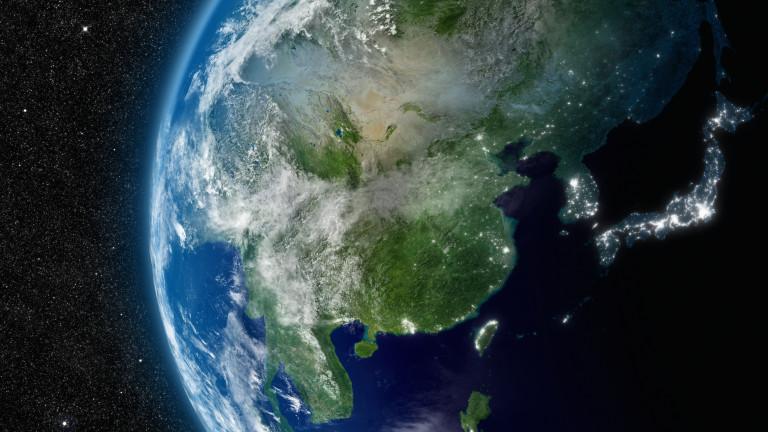 Колко тежат всички хора на Земята? Колкото 0,01% от теглото на планетата