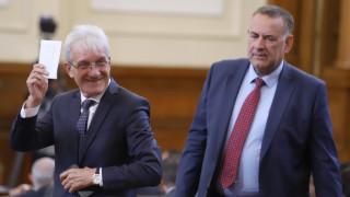 Нено Димов и Петя Аврамова да понесат политическа отговорност иска бивш министър