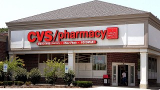 Фармацевтичен гигант поглъща здравноосигурителна компания в сделка за $66 милиарда
