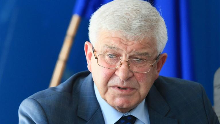 Кирил Ананиев: Критично е състоянието на пострадалите в катастрофата при Своге