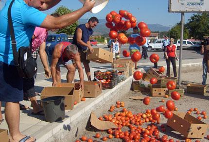 """Масови проверки за """"маскирани"""" домати от Гърция"""