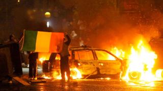 Сблъсъци между протестанти и католици в Белфаст