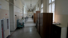 Украинецът със съмнение за коронавирус вече няма температура