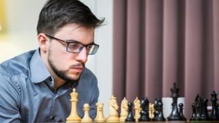 Максим Вашие-Лаграв изравни Ян Непомнящи на върха на турнира на претендентите