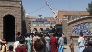 Канада приема повече от 20 000 афганистанци