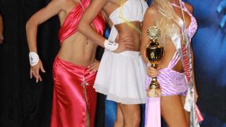 Киро Скалата празнува с шампионки по бодибилдинг и фитнес