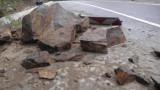 Ново срутище затвори едната лента на пътя Рила-Рилски манастир