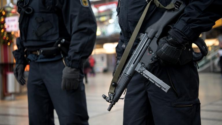 Мъж нападна с нож няколко души в Мюнхен