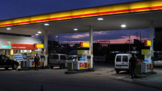 """""""Лукойл"""" намали цената на бензините"""