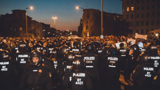Берлин отчита ръст на салафитите, крайнодесните и крайнолевите