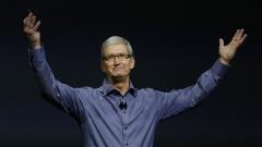 Главният директор на Apple получил с $10 милиона по-малко