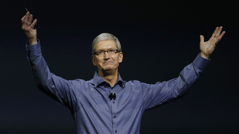 Тим Кук прибра $10 милиона долара от Apple през 2015 г.