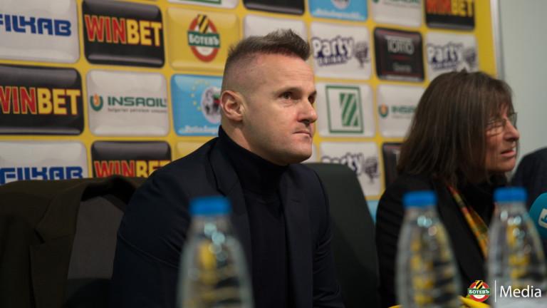 Азрудин Валентич няма да разчита на петима от футболистите си за мача с Черно море