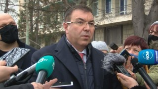 Ангелов не отстъпва: Ресторантите и моловете отварят най-рано на 18 февруари
