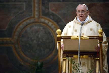 Папата призова да се помага на бежанците