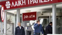 """Съд спира """"подстригването на депозити"""" в Bank of Cyprus и Laiki"""